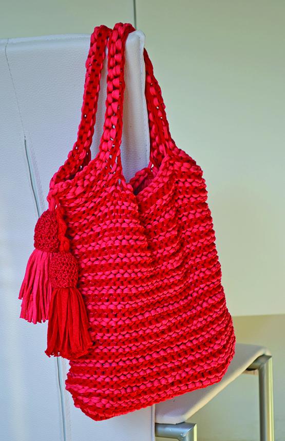 torba rdeča s cofi